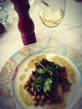 The flavors and smells of Greece: sea-bass, chickpeas and fresh coriander